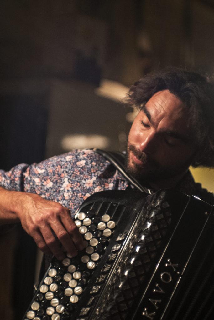 présentation spectacle greg l'accordeoniste