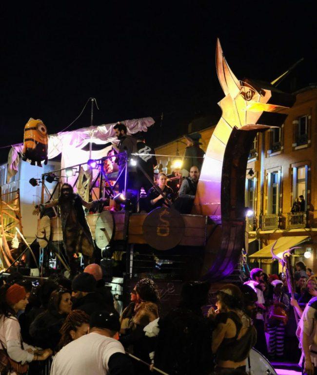 scène le drakbar devant public