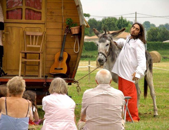 greg l'accordéoniste devant public